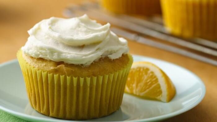 Gluten-Free Lemon Cupcake with Lemon Buttercream Icing