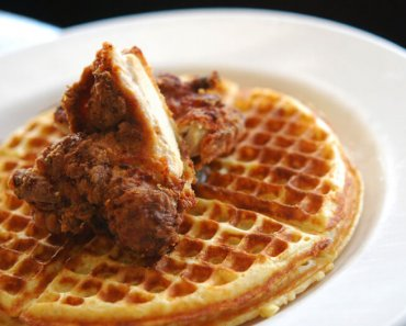 chickenwaffles-01102eb4119369531a64ce950cd2b596c9a007d7-s900-c85