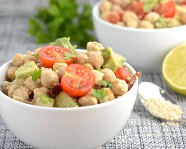 Avocado, Bacon, and Chickpea Salad